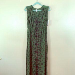 Xhilaration printed green maxi dress size L! NWT!